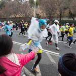 東京マラソン2014 ハイタッチと折り紙