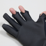 寒い外でも、スマフォが快適に使える! 3本カットカバータイプ手袋